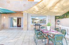 Villa en Empuriabrava - 0107-LLOBREGAT Casa al canal con piscina y amarre