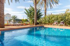 Villa en Empuriabrava - 0109-PANI Casa al canal con piscina y amarre