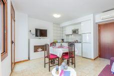 Apartament en Rosas / Roses - 2007-AV DE RHODE Apartament amb wifi a prop de la platja