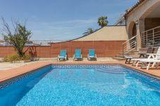 Villa in Empuriabrava - 0141-PANI Haus am Kanal mit Pool und Liegeplatz