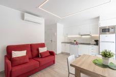 Апартаменты на Эмпуриабра / Empuriabrava - 0188-SANT MORI Квартира с террасой и Wi-Fi.